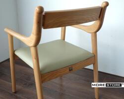 Ảnh của Ghế bàn ăn gỗ tự nhiên đệm da cao cấp